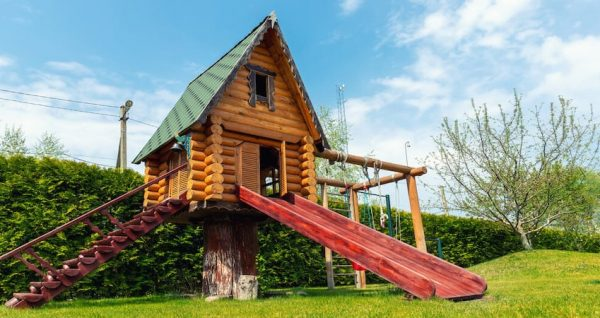 6 Awesome Examples of Tiny Homes with Slide Outs